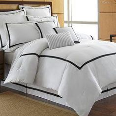 Toulouse Comforter Set in Black
