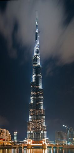 The Burj Khalifa Tower looks like a dazzling sword which seems can even reach to the heaven. This is the most gorgeous building in the world.