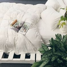 DIY Pallet Bed with Bamboo bedding