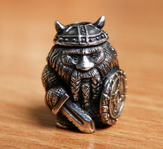 New beads! Silver 925 General ::: Items and Bargains Chess Pieces, Game Pieces, Blacksmithing Knives, Paracord Beads, Art Through The Ages, Small Figurines, Wood Carving Patterns, Viking Jewelry, Metal Art