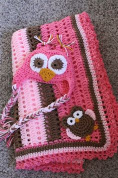 Hello ! Last week I had a request for a baby girl owl blanket and hat ... Isn't this just the cutest :)    I used Red Heart Yarn in 2 ...