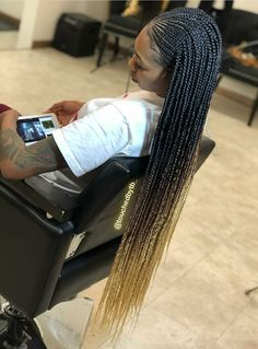 What are the box braids? We braid hair since the dawn of time, so we found traces of braided hairstyles dating back to Prehistory! After a dazzling comeback in the the fashion of braids (or rather mats) does not seem… Continue Reading → Black Girl Braids, Braids For Black Hair, Girls Braids, Box Braids Hairstyles, My Hairstyle, Hairstyles Games, Dance Hairstyles, Protective Hairstyles, Hairstyle Ideas