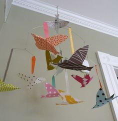 just found an idea that it would be nice if I made paper birds and decorate his room with this thing and balloons