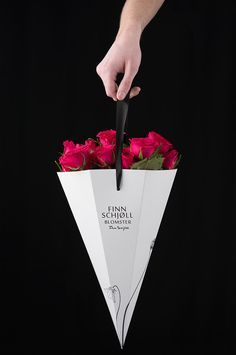 School project for the swedish company Swedbag. Our assignment was to create packaging for flowers. We created a line of four different gift packaging for bouquets