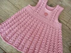 Ravelry: Project Gallery for Ellis dress/ Ellin mekko pattern by Jaana - Kinder Kleidung Crochet Baby Dress Pattern, Knit Baby Dress, Baby Dress Patterns, Knitted Baby Clothes, Baby Knitting Patterns, Robe Diy, Pull Bebe, Knitting For Kids, Diy Dress