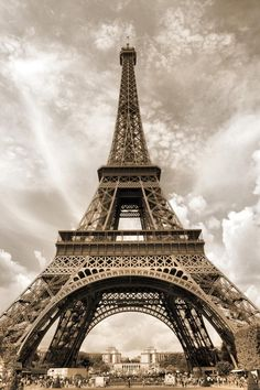 La Tour Effeil.. Paris, France
