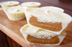 White Chocolate Peanut Butter Cups I make all mine minis in little muffins pans I got at walmart Chocolate Peanut Butter Cup Recipe, Peanut Butter Recipes, Candy Recipes, Sweet Recipes, Dessert Recipes, Just Desserts, Delicious Desserts, Yummy Food, Fudge