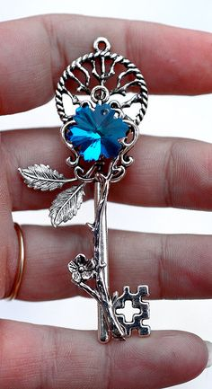 Would love a tattoo designed like this key...