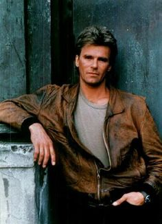 'MacGyver' Star Richard Dean Anderson Suffers Through Stalled-Car Situation | Story | Wonderwall