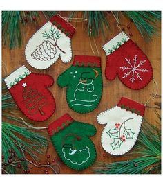 Rachels of Greenfield Mittens Christmas Ornament - Felt Applique Kit. Mittens Ornament Kit features a collection of six mittens. Can be filled with candy canes, Christmas Sewing, Handmade Christmas, Christmas Crafts, Christmas Decorations, Christmas Applique, Christmas Patterns, Tree Decorations, Felt Ornaments Patterns, Christmas Projects