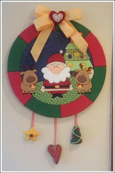 What's the chance of me making 100 of these by Christmas? I soooooo want them for my tree. Christmas Craft Projects, Christmas Sewing, Christmas Love, Christmas Wreaths, Christmas Crafts, Christmas Ornaments, Hobbies And Crafts, Diy And Crafts, Styrofoam Art
