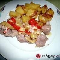 Χοιρινό εξοχικό στη σακούλα Potato Salad, Potatoes, Chicken, Meat, Ethnic Recipes, Food, Potato, Essen, Meals