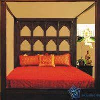 Vintage Devi Conopy Bed