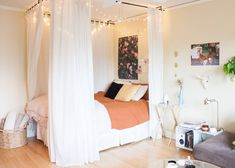 10 Ways to Make a Big Bedroom Feel Cozy | Apartment Therapy Big Bedrooms, Small Master Bedroom, Master Room, Master Bedroom Design, Large Bedroom, Cozy Bedroom, Romantic Bedrooms, Teen Bedroom, Bedroom Designs