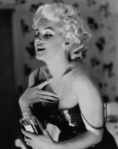 Marilyn Monroe for Chanel no. 5. Possibly the most iconic advertisement ever. Simply lovely.