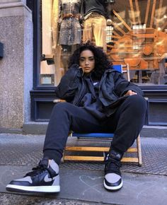 3 Best Tips On How to Rock An Androgynous Fashion Style - Androgynous Fashion: What it is and How to Pull Off Cool Outfits - Androgynous Fashion, Tomboy Fashion, Fashion Killa, Fashion Outfits, Fashion Trends, Fashion Fashion, Androgynous Girls, Queer Fashion, Winter Fashion