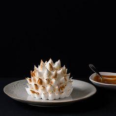 Alaska (ou bombe alaska), mon nouveau livre aux éditions Marabout ! Des desserts de fête glacés et meringués, l'idéal pour Noël !