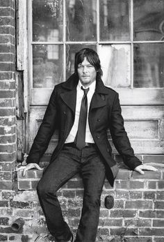 Meet Norman Reedus. The man behind The Walking Dead's Daryl Dixon.  ahhhhhh....oh he cleans up GOOD!!!
