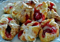 PUFF PASTRY CHERRY BLOSSOMS Omg sounds so yummy ans easy!