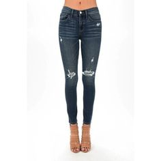 Trina Dark Wash Patched Skinny Jeans (170 BRL) ❤ liked on Polyvore featuring jeans, stretchy skinny jeans, stretch skinny jeans, patched skinny jeans, skinny jeans and white stretch jeans