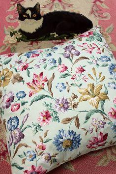 Vintage Home - Vintage Sanderson Cushion Cover .