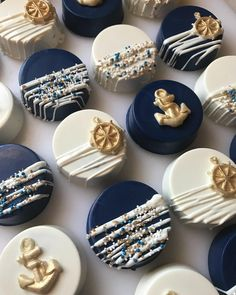 Likes, 30 Comments - by Any de Lucca Adriana Schroe .- Likes, 30 Kommentare – von Any de Lucca Adriana Schroeder.bolos ( Likes, 30 Comments – by Any de Lucca Adriana Schroeder. Nautical Theme Cupcakes, Themed Cupcakes, Nautical Cake Pops, Nautical Birthday Cakes, Nautical Wedding Favors, Chocolate Covered Treats, Chocolate Dipped, Dipped Oreos, Chocolate Texture