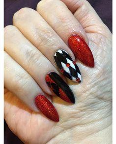 15 Harley Quinn Nail Designs on CherryCherryBeauty.com