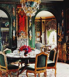 {holiday décor   colour inspiration : traditional shades of red & green} by {this is glamorous}, via Flickr