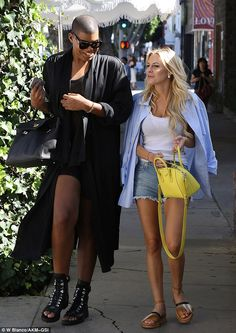 What a difference! EJ Johnson showed off his dramatically slimmer figure when he grabbed lunch at The Ivy in West Hollywood with Morgan Stewart on Thursday