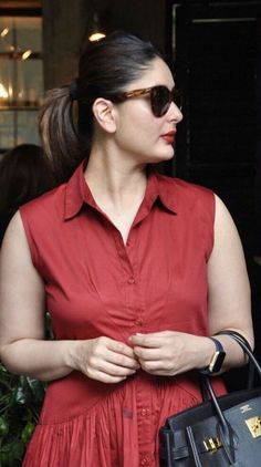 Ya little poof Indian Actress Hot Pics, Bollywood Actress Hot Photos, Indian Bollywood Actress, Beautiful Bollywood Actress, Most Beautiful Indian Actress, Bollywood Actors, Bollywood Celebrities, Bollywood Fashion, Beautiful Actresses