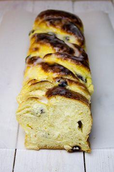 Ciasto drożdżowe z serem Polish Desserts, Polish Recipes, Sweets Cake, Sweet Bread, Cake Cookies, Baked Goods, Banana Bread, Sweet Tooth, Good Food