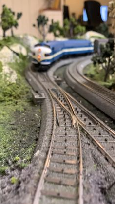 Ho Scale Trains, Ho Trains, Model Trains, Slot Car Tracks, Train Tracks, Model Railway Track Plans, Model Train Layouts, Star Wars Poster, Fun Hobbies
