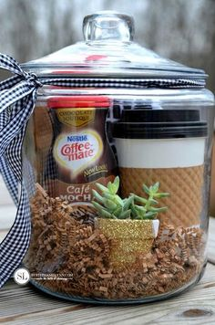 Coffee Gift Baskets, Gift Baskets For Men, Coffee Gifts, Basket Gift, Food Gift Baskets, Jar Gifts, Food Gifts, Craft Gifts, Gift Jars