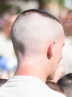 Short Buzz Cut, Short Hair Cuts, Short Hair Styles, Bald Head Man, High And Tight Haircut, Funny Emoji Faces, Shaved Sides, Cute Gay, Haircuts For Men