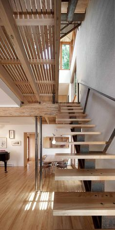 escaleras y madera.Wooden staircase, Bernier-Thibault Residence, designed by Paul Bernier Architecte, Montreal/Canada Interior Stairs, Interior Architecture, Interior And Exterior, Installation Architecture, Interior Office, Residential Architecture, Wooden Staircases, Wooden Stairs, Metal Stairs