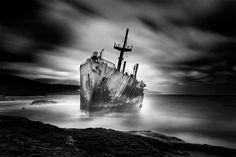 Last Trip – Les superbes photographies en noir et blanc de Vassilis Tangoulis
