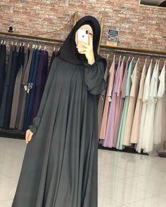 Moslem Fashion, Niqab Fashion, Fashion Outfits, Fancy Dress Design, Stylish Dress Designs, Abaya Designs, Pakistani Fashion Casual, Pakistani Dress Design, Modele Hijab