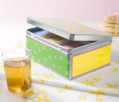 The kids loved this tea box... they actually use it to store their little dolls accessories (mini shoes, skirts, bads...)