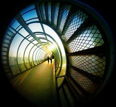 best photos 2 share: Amazing Pictures of One Point Perspective Photography