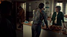 "Fargo 2x02 ""Before The Law"" - Dodd Gerhardt (Jeffrey Donovan), Floyd Gerhardt (Jean Smart) & Bear Gerhardt (Angus Sampson)"