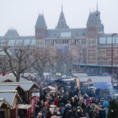 The biggest Christmas Market in Amsterdam. Next to the yearly ice rink and the Rijksmuseum. #amsterdam #winter #Rijksmuseum #museumplein