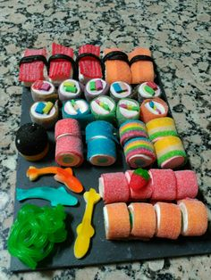 Dessert sushi made of candy and rice crispies to look like nigiri and brownie bites to look like maki. sweet sushi - old Dessert Sushi, Dessert Table, Cute Food, Yummy Food, Candy Sushi, Gummy Sushi, Fruit Sushi, Japanese Party, Japanese Theme Parties