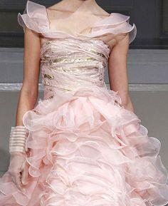 Gorgeous pink gloves and ruffles ;) {Oscar de la Renta}