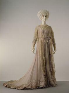 Tea Gown Jean-Philippe Worth, 1900 The Victoria & Albert Museum