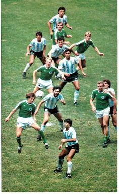 Argentina 3 W Germany 2 in 1986 in Mexico City. Action from the World Cup Final. Retro Football, Vintage Football, Sport Football, Football Soccer, Football Shirts, Sven Bender, Lars Bender, Fifa, Soccer Pro