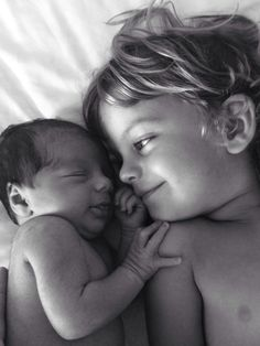 Grote broer en kleine zus