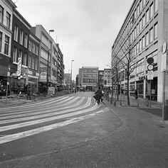 De Guldenstraat in 1980 met rechts een deel van het in 1994 gesloopte 'Nieuwe' Stadhuis. - Foto's SERC