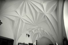 GOTYK: sklepienie kryształowe w klasztorze pobernardyńskim przy kościele świętej Anny w Warszawie