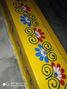 Easy Rangoli Patterns, Rangoli Side Designs, Simple Rangoli Designs Images, Rangoli Borders, Free Hand Rangoli Design, Small Rangoli Design, Rangoli Designs With Dots, Beautiful Rangoli Designs, Burlap Wall Decor