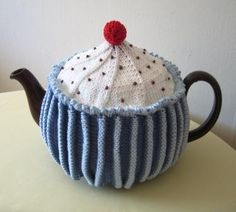 Cupcake tea cozy pattern - knitted but could easily be done in crochet